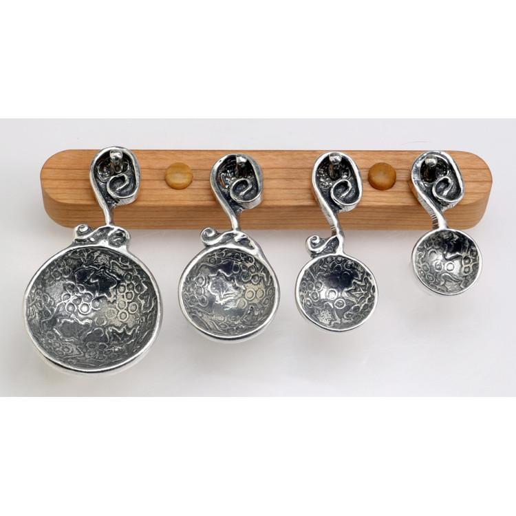 Vineyard Pewter Measuring Spoons on Cherry strip